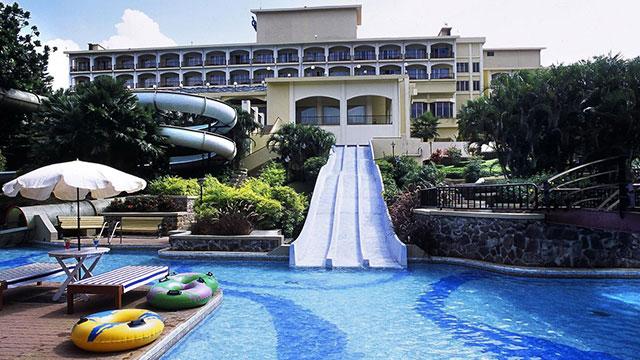 Pune Fariyas Resort in pune