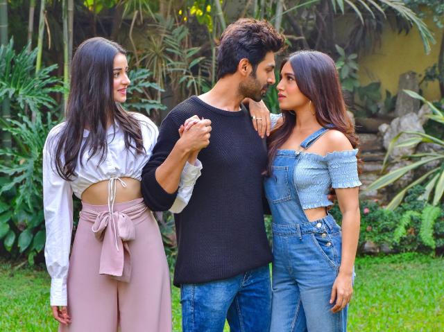 Pati Patni Aur Woh Movie