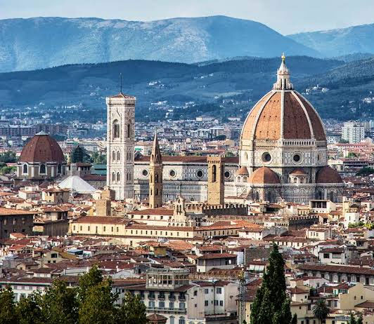 Luxurious Hotels in Florence booking