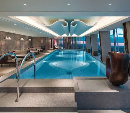 Luxurious hotels in London