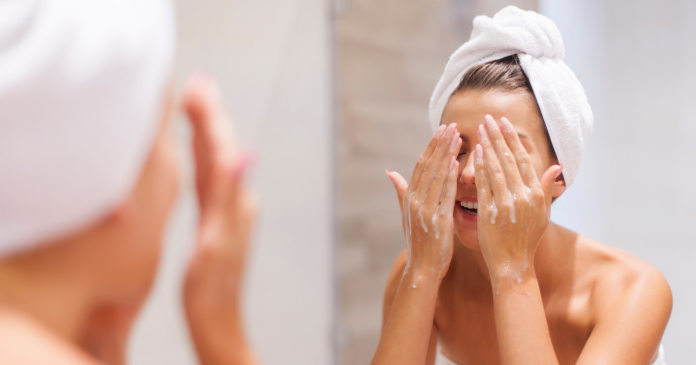 Best Face Washes in India for Deep Cleansing