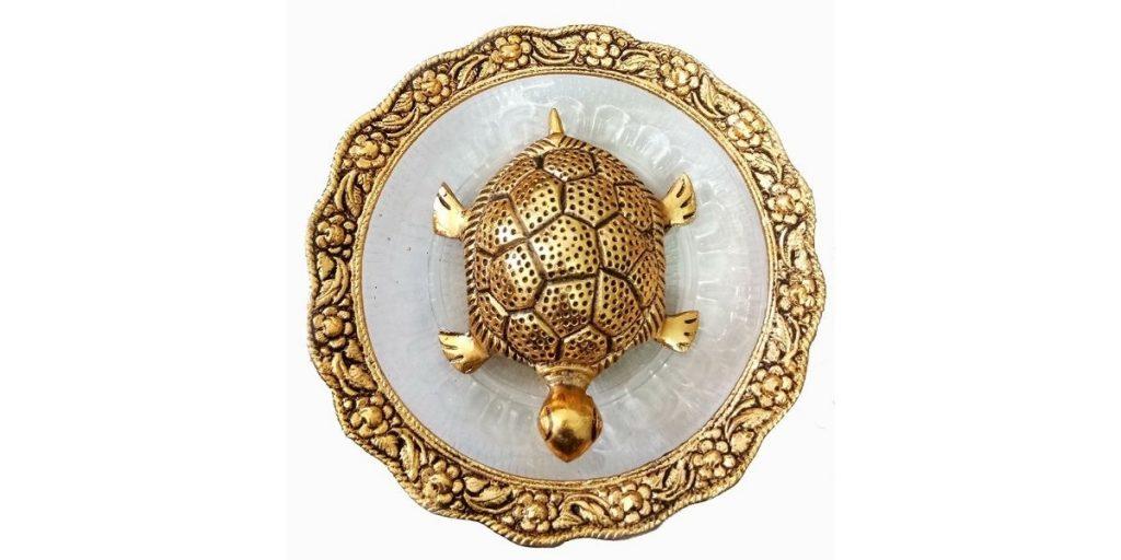 Trendy Crafts Metal Tortoise On Plate Showpiece