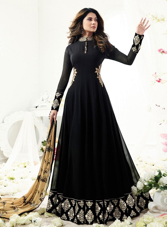 Top 8 Anarkali Dresses To Try Out This Season!