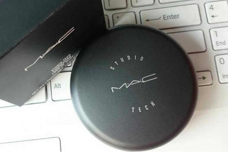 M.A.C Studio Tech Foundation - Review