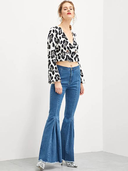 Pleated Raw Hem Flare Jeans