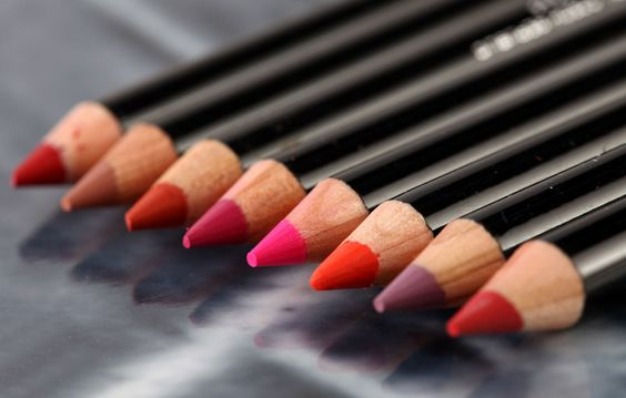 5 Most Irresistible Colorbar Lip liners