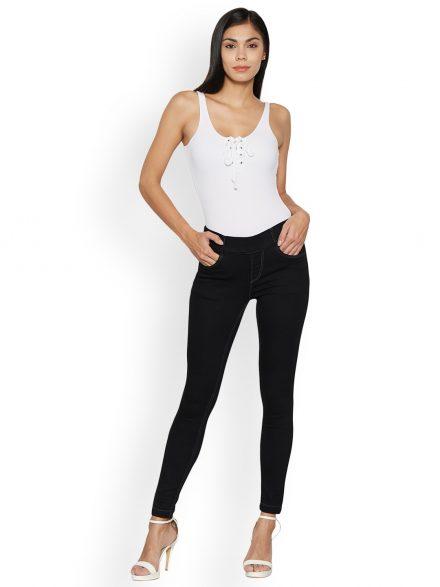 Black Leggings as Party Wear