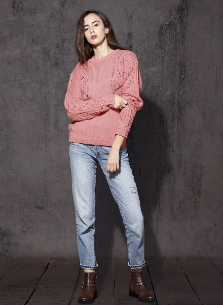Open Knit Pullover With Jeans