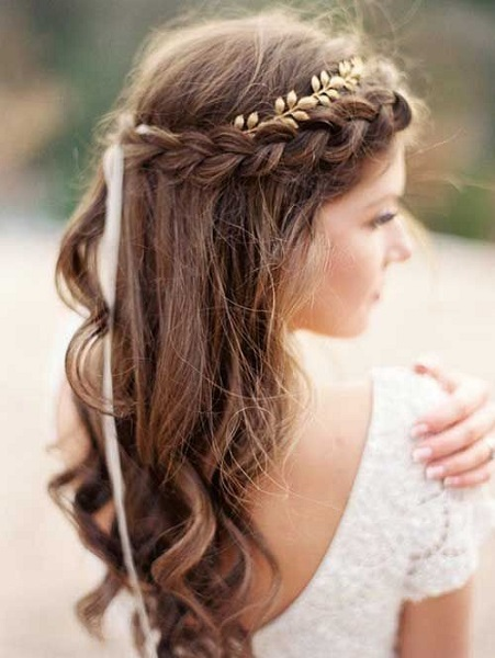 Loose Curls With BraidsHairstyle For Women