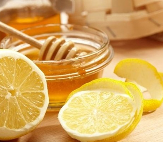 Honey-and-Lemon-Ayurvedic-Face-Pack