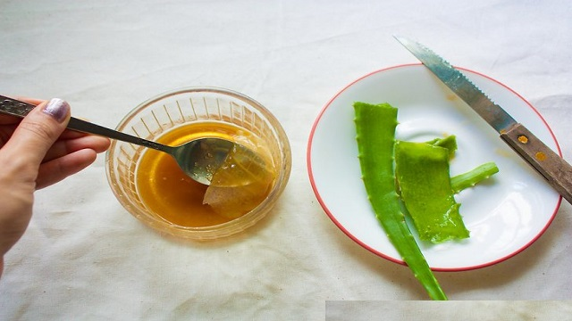 Aloe Vera Face Pack for Oily Skin
