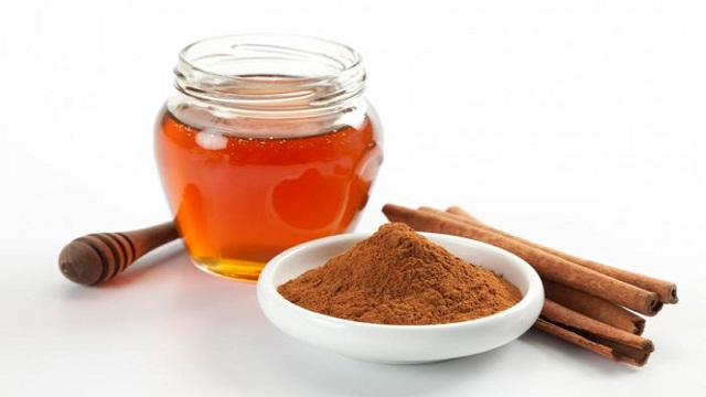 Cinnamon and Honey Face Pack