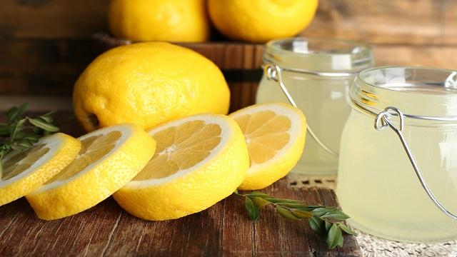 Lemon Juice Face Pack