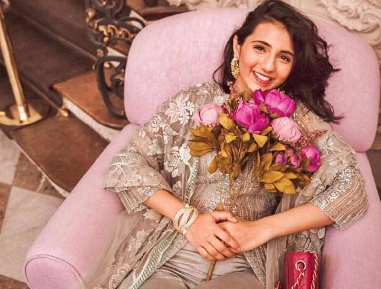 Step On A Visual Ride With Masoom Minawala's Delightful Style Statements