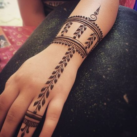 easy mehndi bail design