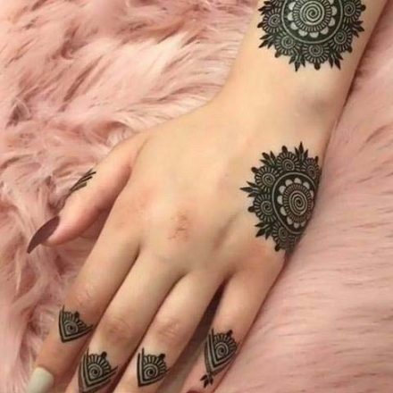 new latest and simple mehndi design